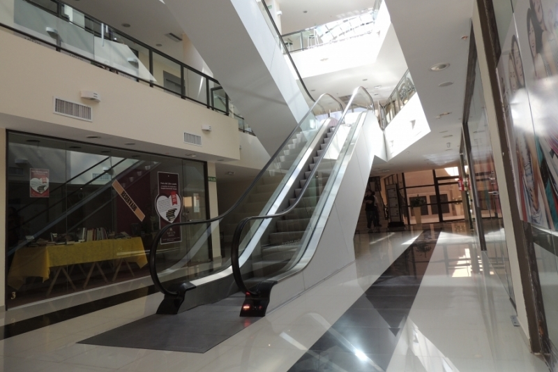 Escalera mecanica Shopping Melos